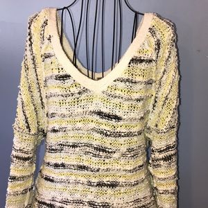 Free People Long Sleeves Sweater Size Medium
